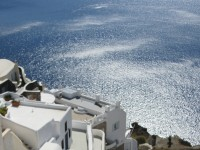 Best 3 star Santorini getaways under $2000